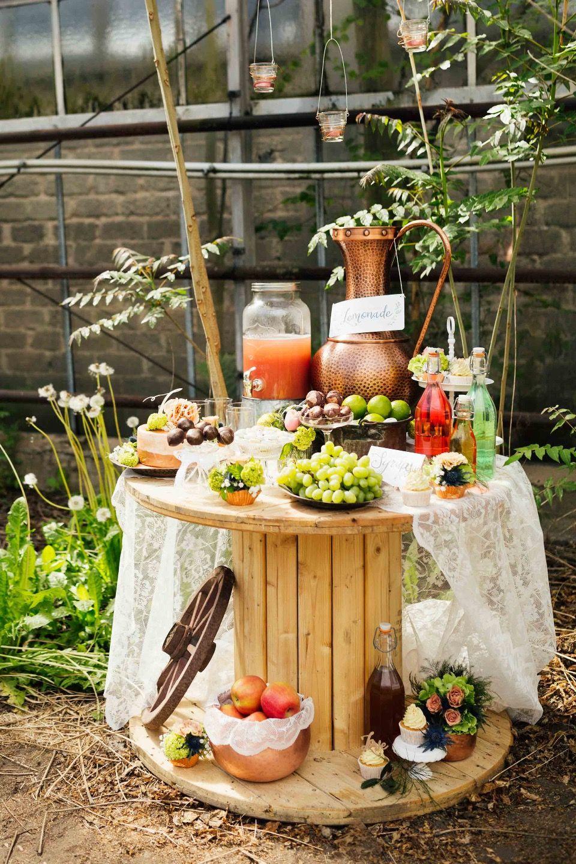 Boho-Hochzeitsträume im alten Gewächshaus | Boho, Hochzeit and Wedding