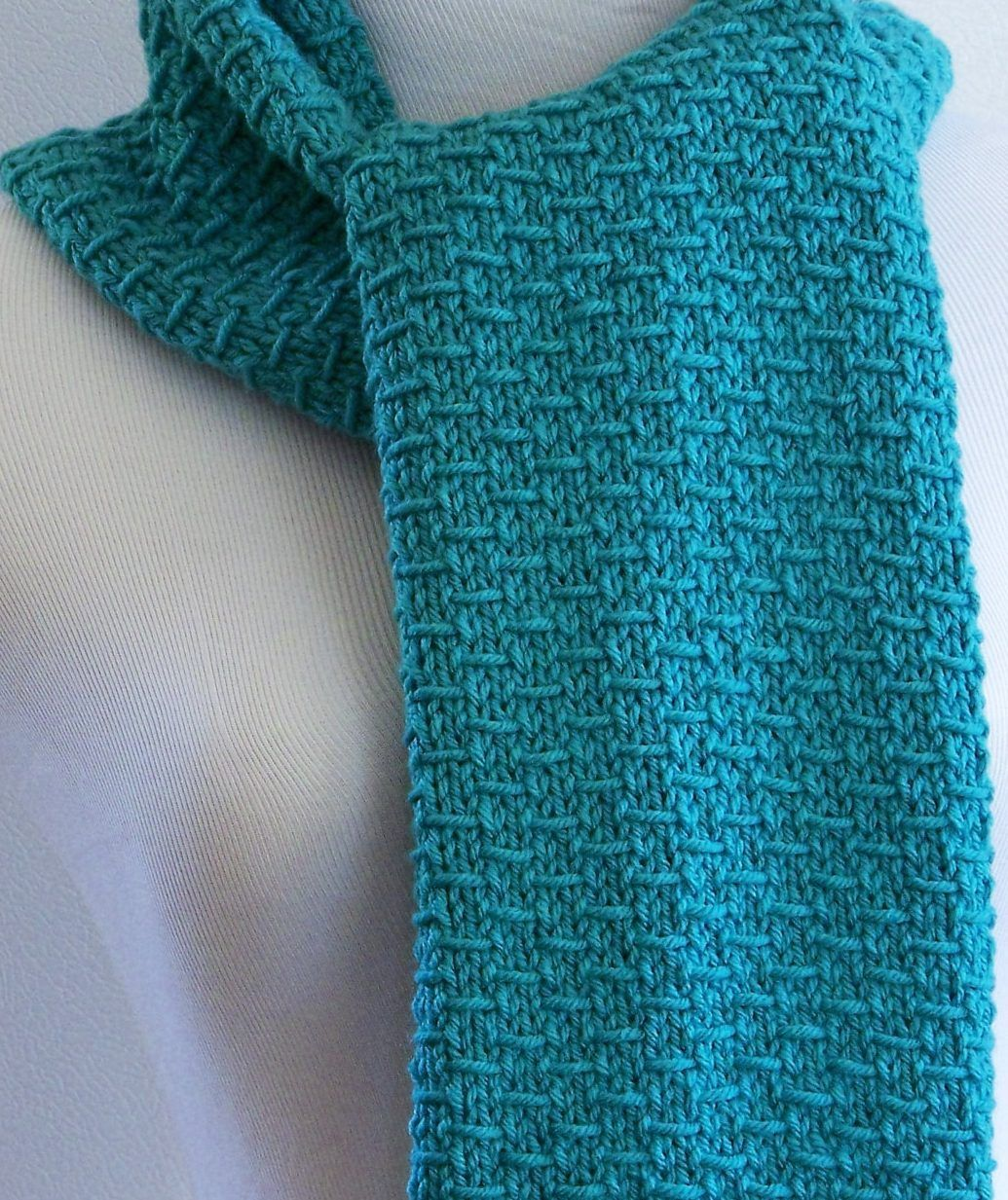 Easy Knitting Pattern Blue Scarf - Easy four row repeat, suitable to ...