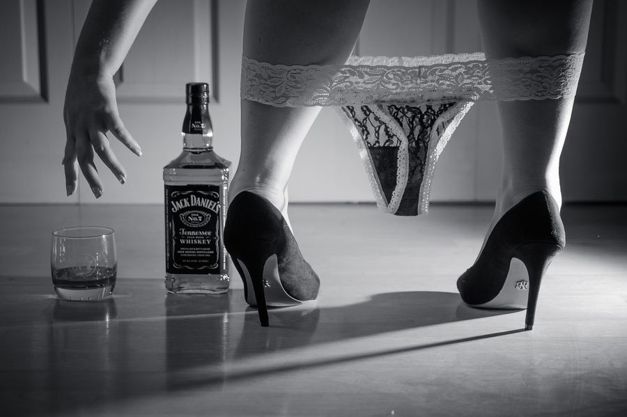Thumbelina alcohol sexy babe legs drink cartoon wallpaper