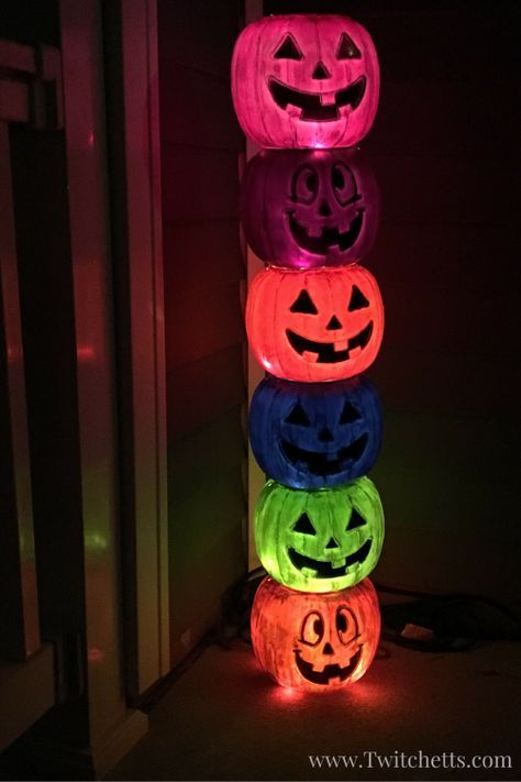 Weathered Plastic Pumpkin Totem Pole Plastic pumpkins, Easy - halloween decorations to make on your own