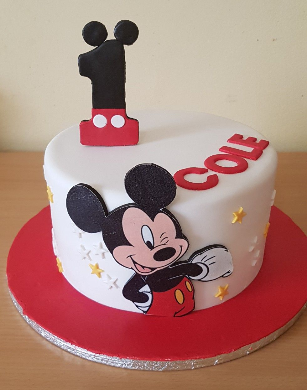 mickey mouse cake topper design Mickey  Mickey mouse birthday cake, Mickey mouse cake, Mickey