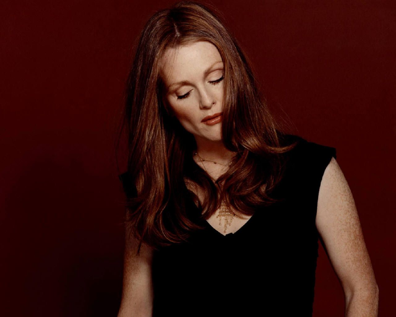 Julianne Moore Beauty Wallpaper