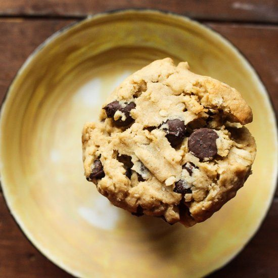 These Looneyspoon Peanut Butter, Oatmeal and Chocolate Chip Cookies are low in fat and great for newbie bakers!