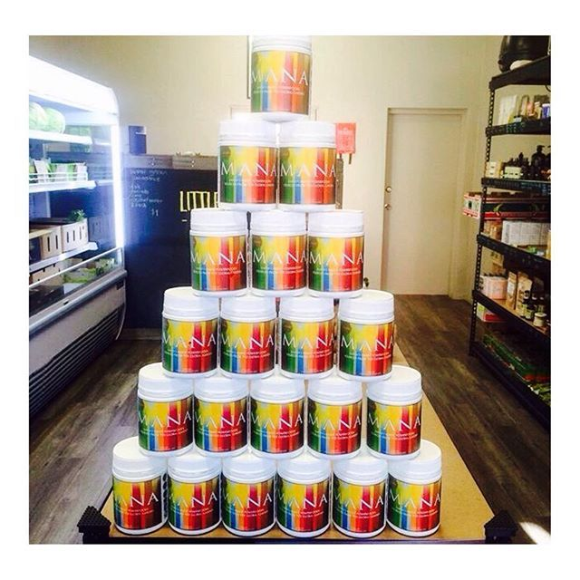 And THIS is a MANA TOWER OF POWER!! @littlebayorganics have got it going ON…