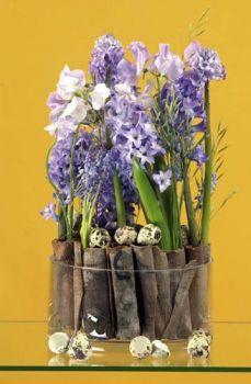 une composition florale avec des jacinthes et muscaris jacinthe compositions florales et. Black Bedroom Furniture Sets. Home Design Ideas