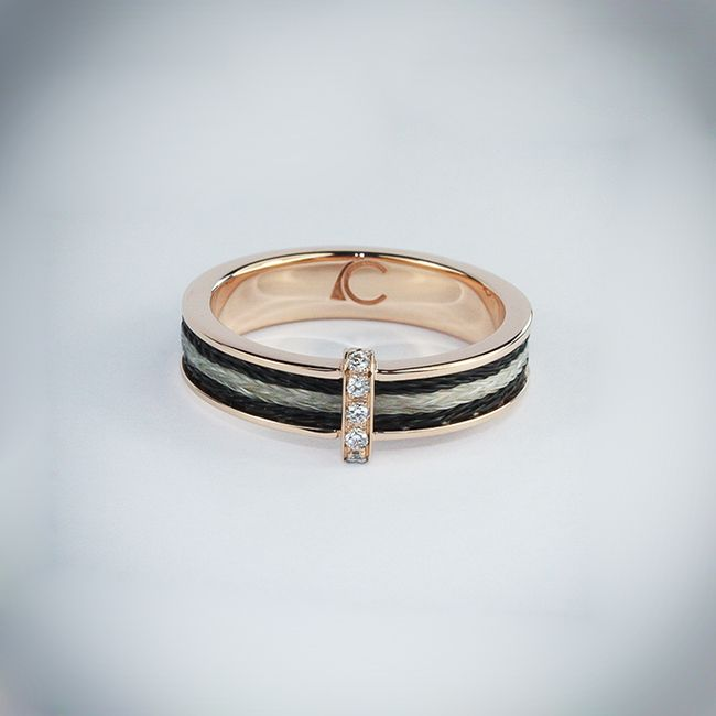 Bague Rialto en or rose 18 carats, crins et diamants. Ring Rialto in pink gold, with horsehair and diamonds.