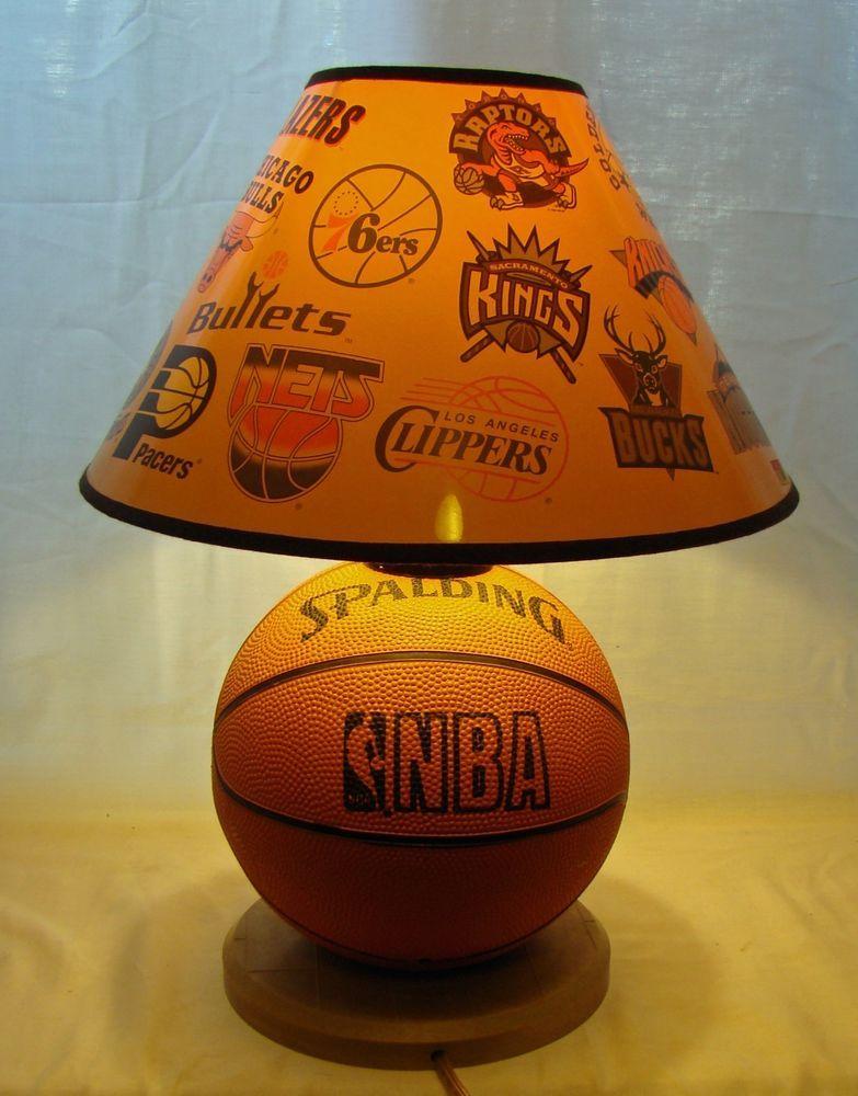 VTG NBA SPALDING BASKETBALL TABLE LAMP SPORTSCAST NBA TEAMS EUC
