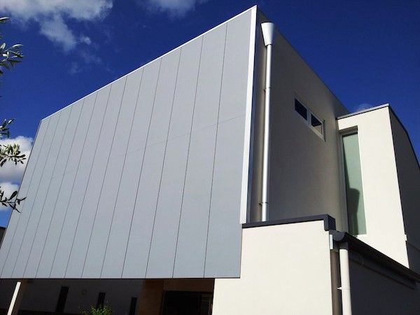 Scyon axon fibre cement cladding on a contemporary home for Modern house cladding