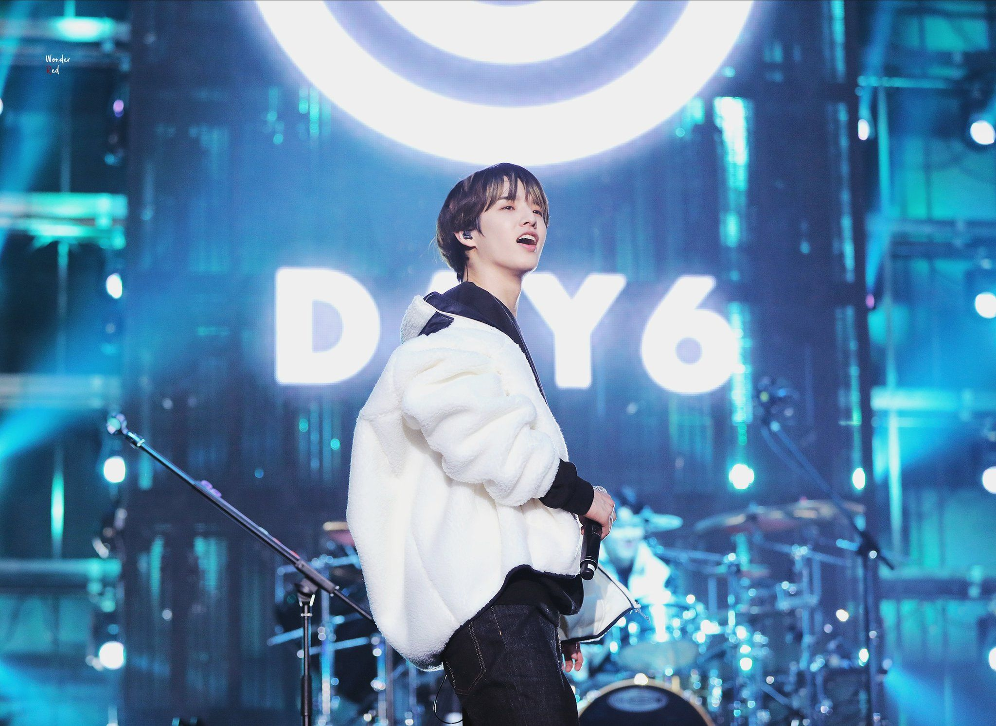 𝙒𝙤𝙣𝙙𝙚𝙧 𝙍𝙚𝙙 on in 2020 (With images) Day6, Jae day6, Concert