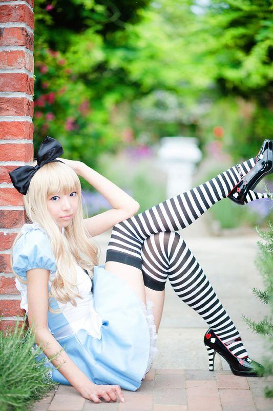 Alice im Wunderland Cosplay von Necoco. Adorable | My ...