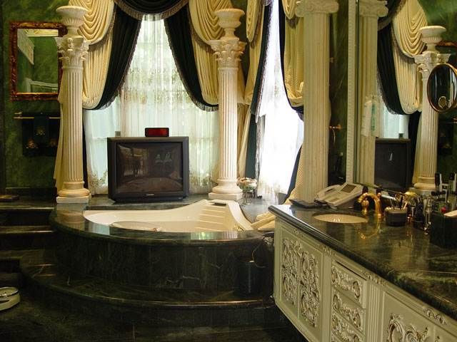 Bathroom Designs Zimbabwe robert gabriel mugabe's bathroom, dictator of zimbabwe | dream