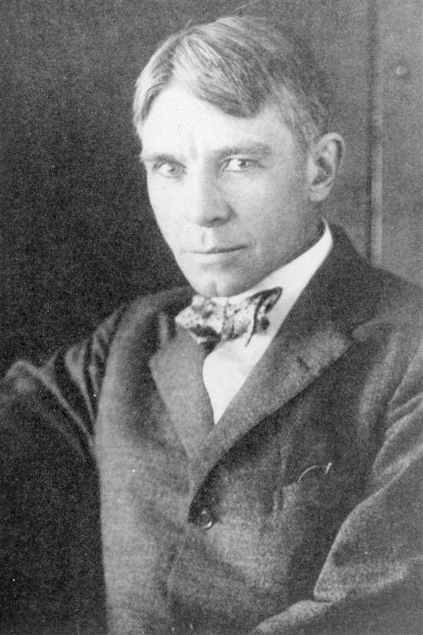 carl sandburg c anti war essays poems short stories and  1916 anti war essays poems short stories