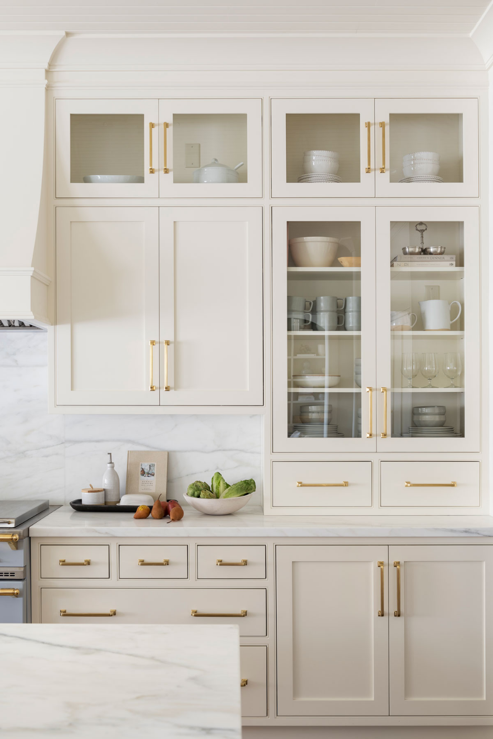 Creamy White by Benjamin Moore.