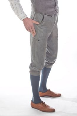 B. Spoke's tailored cycling knickers. Articulated knees, inseam gusset, button closure, cellphone pocket, 100% wool. I'd love a pair of these.