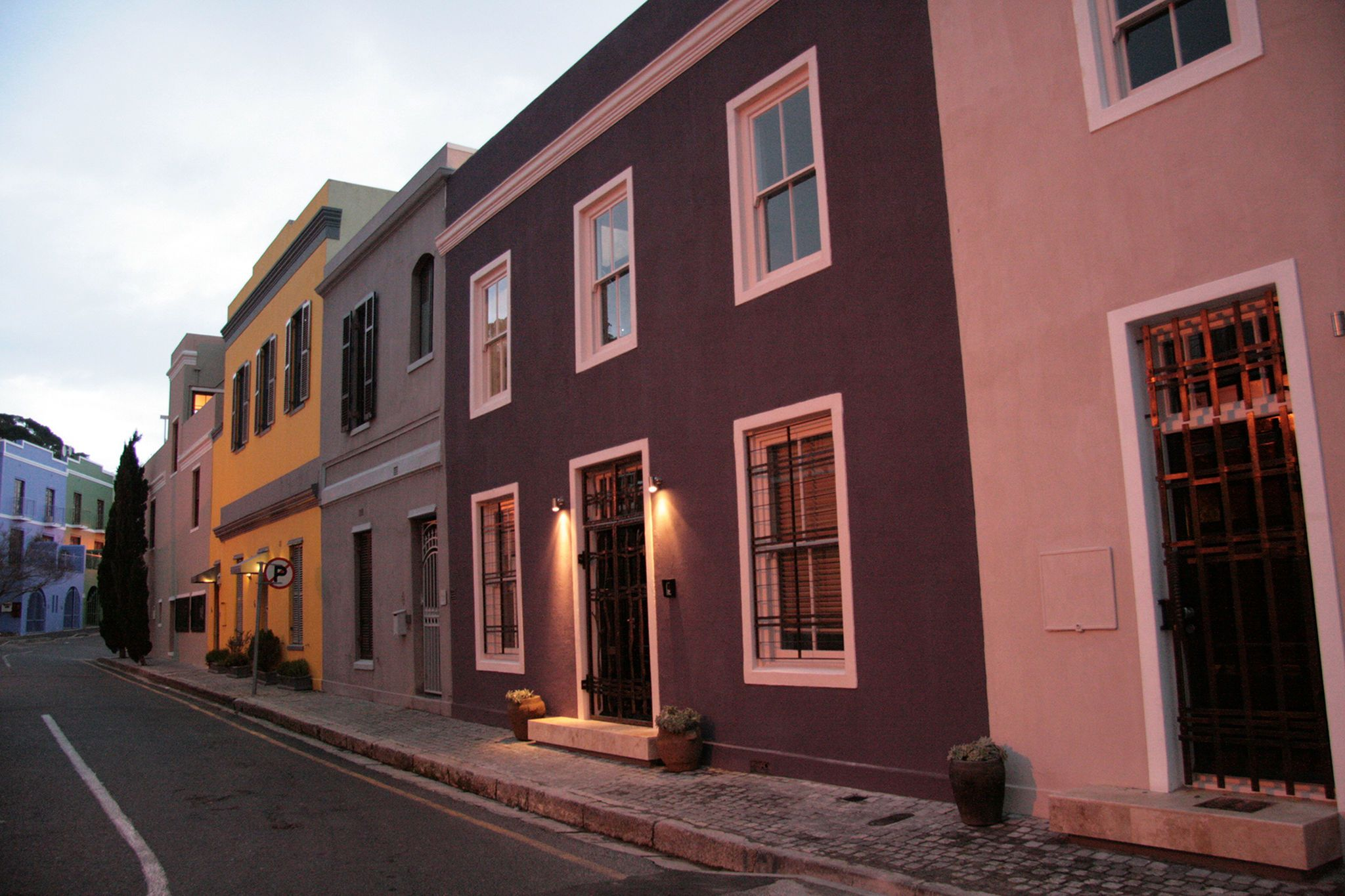 Stay in the trendy, vibrant area of De Waterkant, Cape Town.