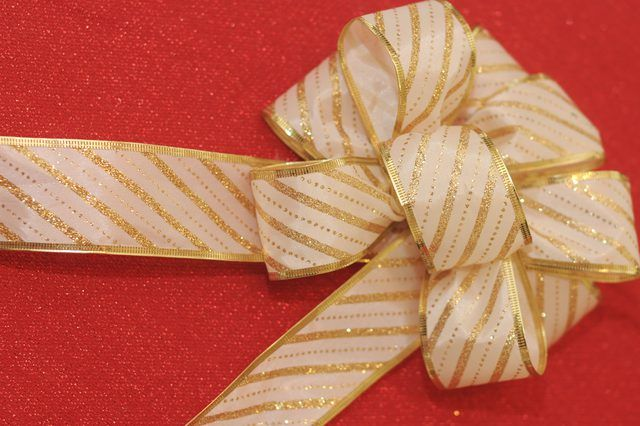 How to Make Different Types of Christmas Tree Bows Christmas