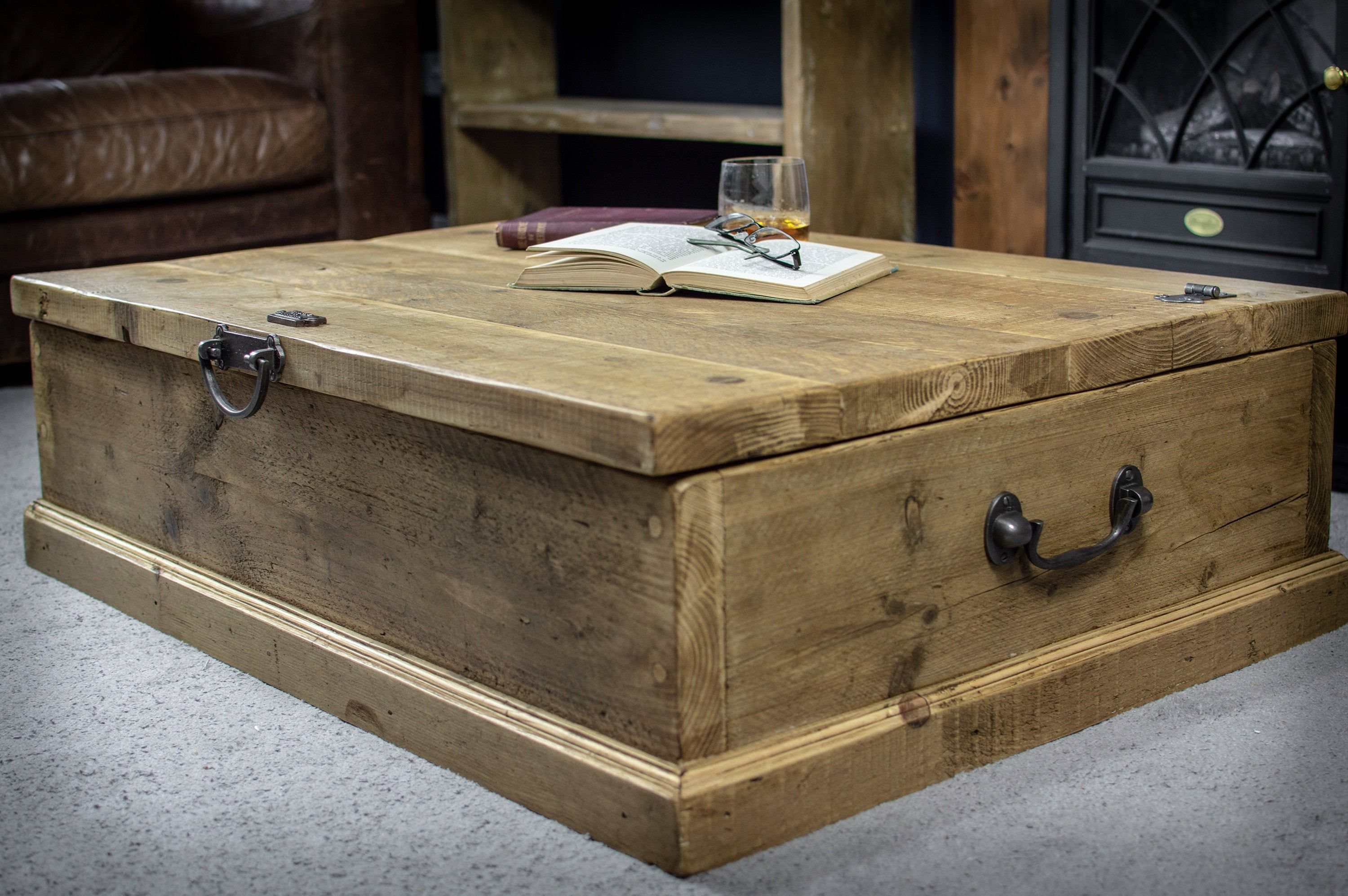 - Rustic Reclaimed Timber Storage Chest Coffee Table Antique Vintage