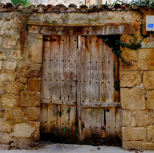 Old wooden door, entrance, doorway, weathered, aged, bricks, rustic, beauty, photo