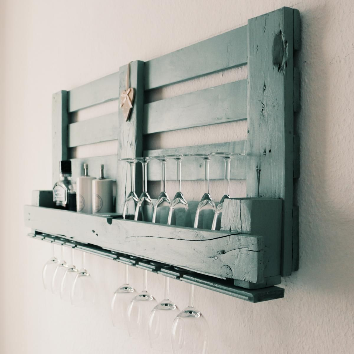 Photo of ᐅ Build & buy wine rack from pallets yourself DIY & shop