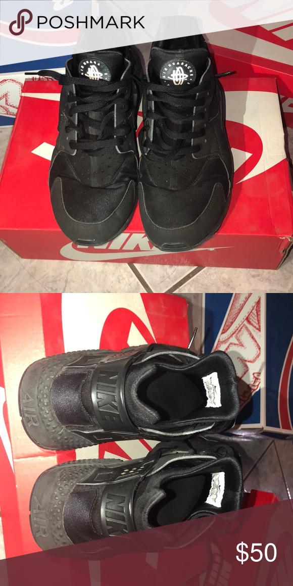 Black huaraches w/box Size: 13 Nike