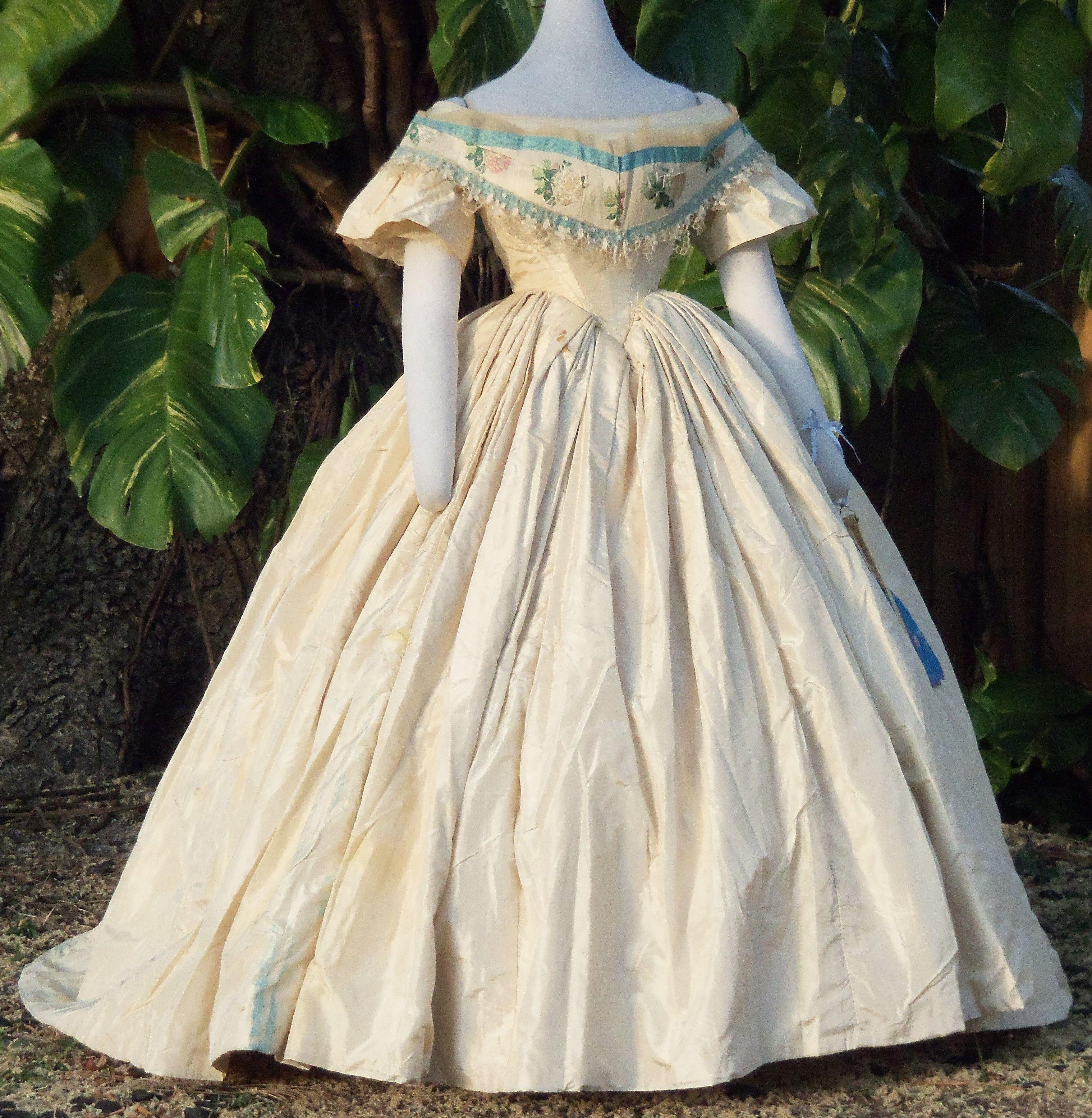 Evening Dress With Bertha C 1860 Historical Dresses Victorian Fashion Dresses