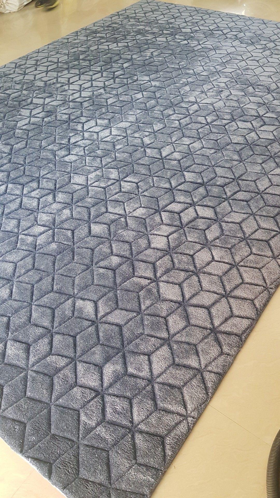 Pin By Carpets Rugs By Globalfloor On Bamboo Silk Rugs Rugs On Carpet Fendi Casa Rugs