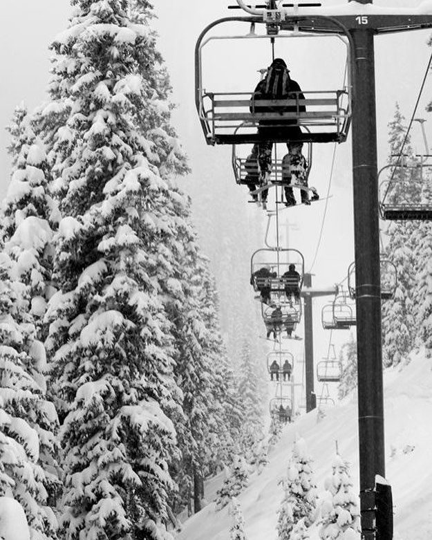 Photo of Buy snowboarding and skiing gear online
