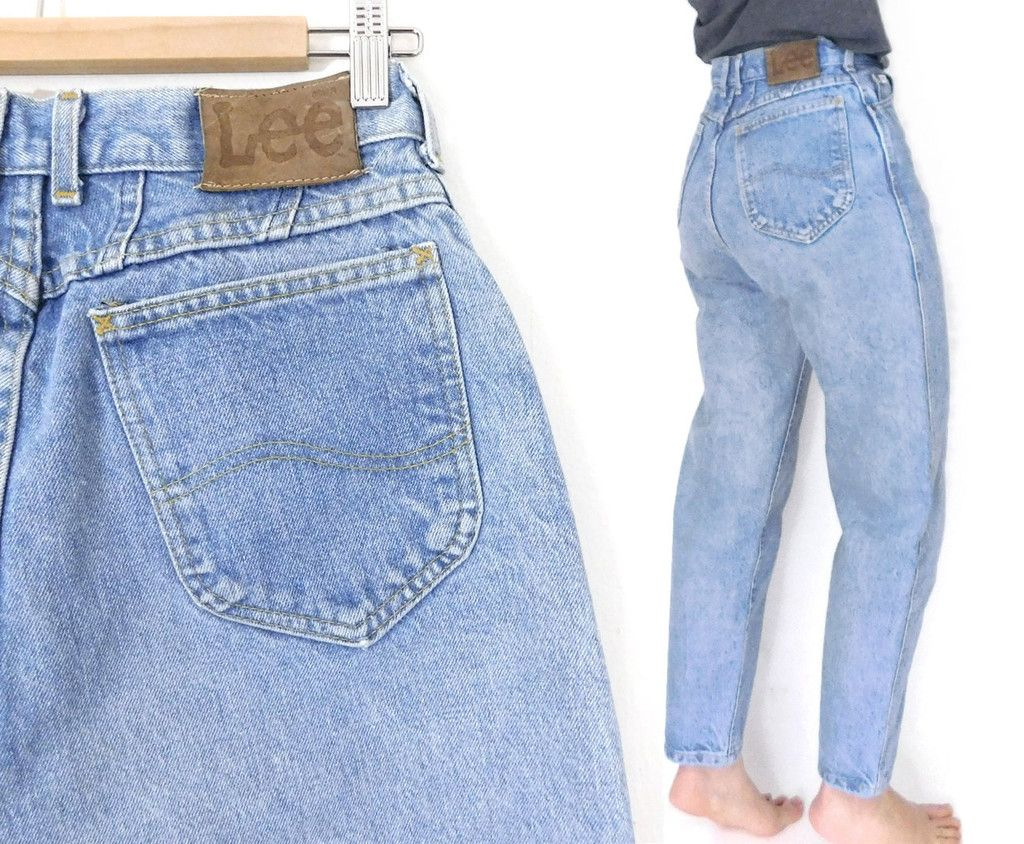 0914034af1e1f Sz 8 High Waisted Lee Mom Jeans - Vintage 80s Women s Tapered Leg High Rise  Relaxed Light Blue Denim Mom Jeans - 28