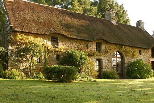 maison en toit de Chaume Toits de chaume Pinterest Architecture