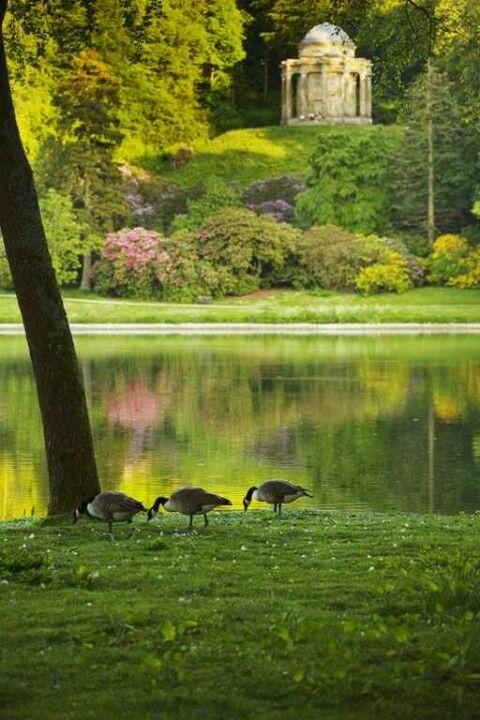 3356ed28ff59a676b6160e27597517ea - Best Time To Visit Stourhead Gardens