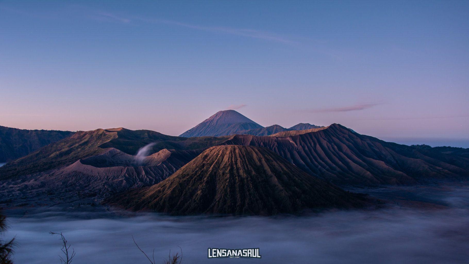 Catat Inilah Waktu Terbaik Mengunjungi Bromo Lensanasrul Com Taman Nasional Matahari Terbit Pemandangan