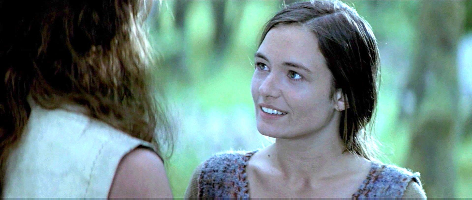 Catherine McCormack (born 1972)