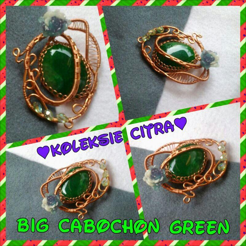 Green Caboochon Brooch