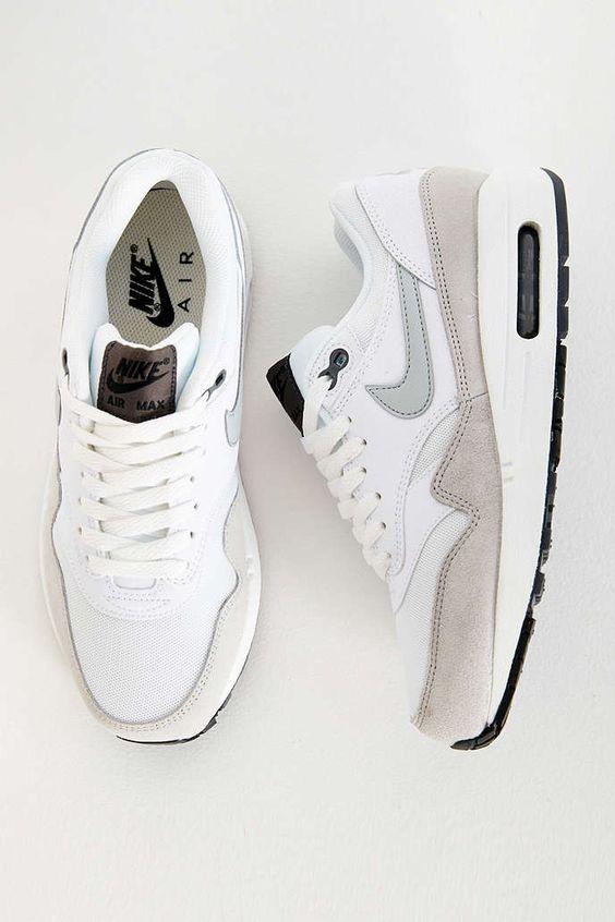 scarpe sportive uomo bianche nike