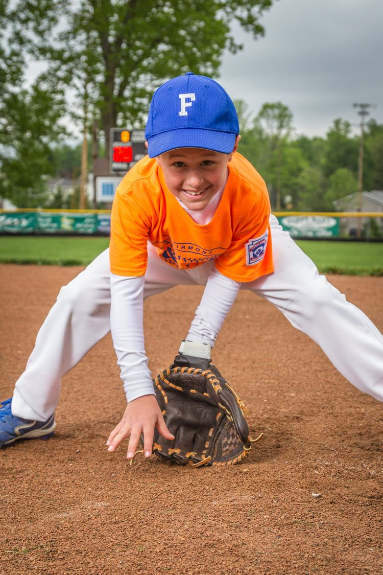This Would Make A Good Shot For The Outfielders Little League Baseball Sport Portraits Baseball Photography