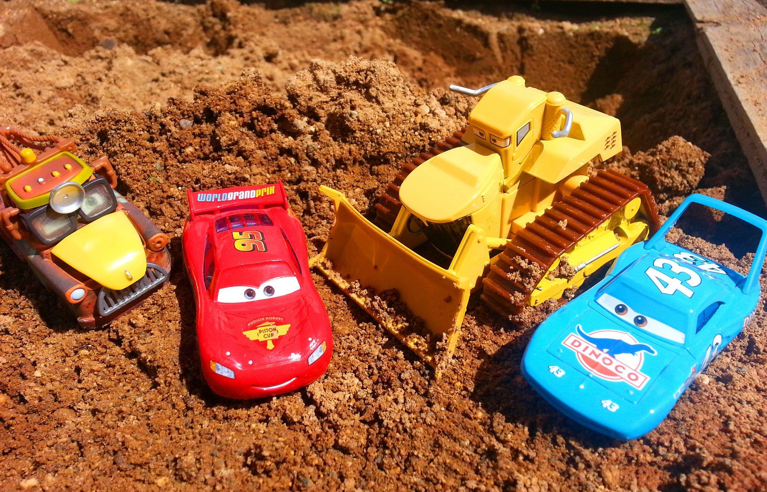 Тачки Маквин и Яма Мультик про машинки для детей Cars