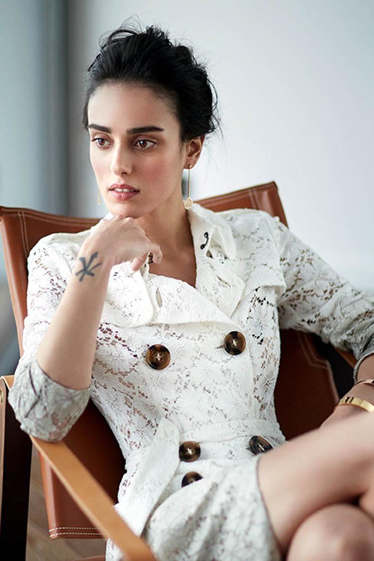 Bestemsu özdemir Bilinmeyenlerini Anlattı Moda Stilleri Arap Kadınları Güzel Kadınlar