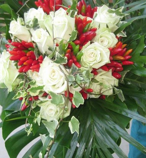 Mazzo Di Fiori Con Peperoncini.Bouquet Con Peperoncini Peppers Bouquet Con Immagini Bouquet