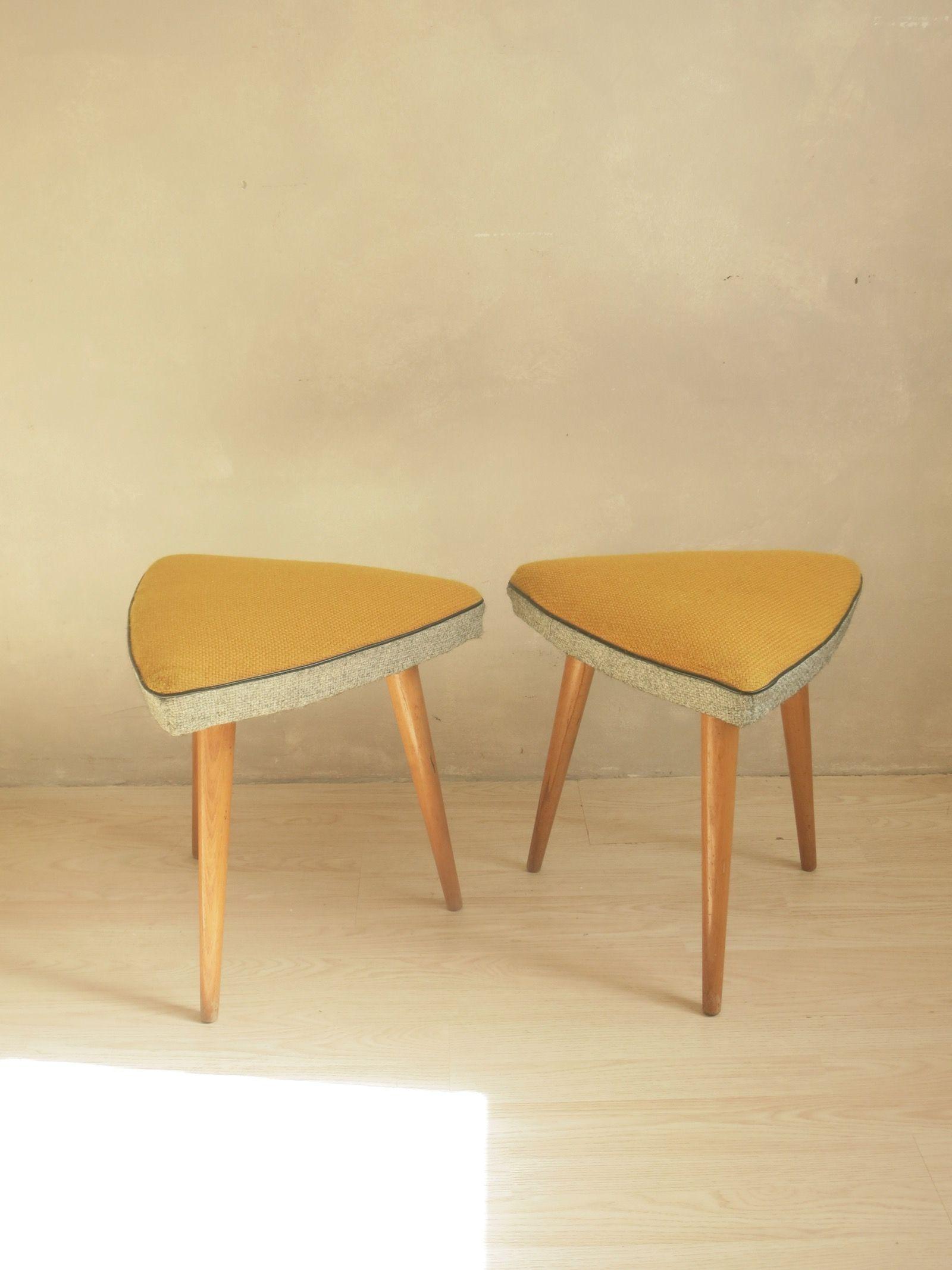 Mobilier Vintage Commodes Armoires Tables Buffets C Est Vintage Fauteuil Vintage Table Basse Table Vintage