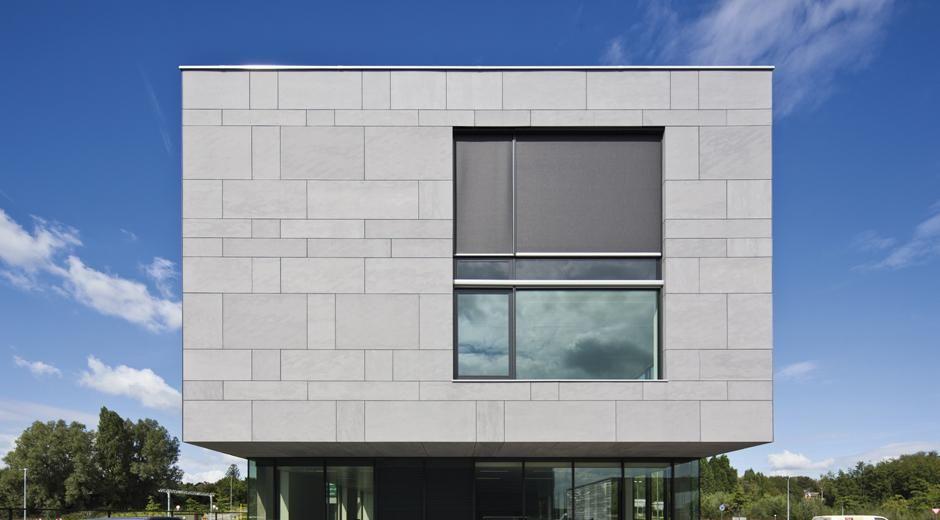 con paneles de equitone natura es posible crear una fachada ventilada con textura y