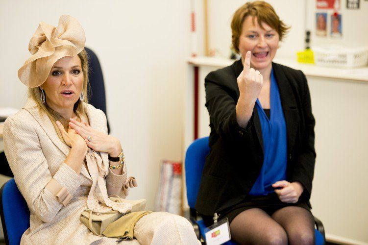 During her visit Queen Máxima toured the facilities and looked in on some of the activities at the centre.