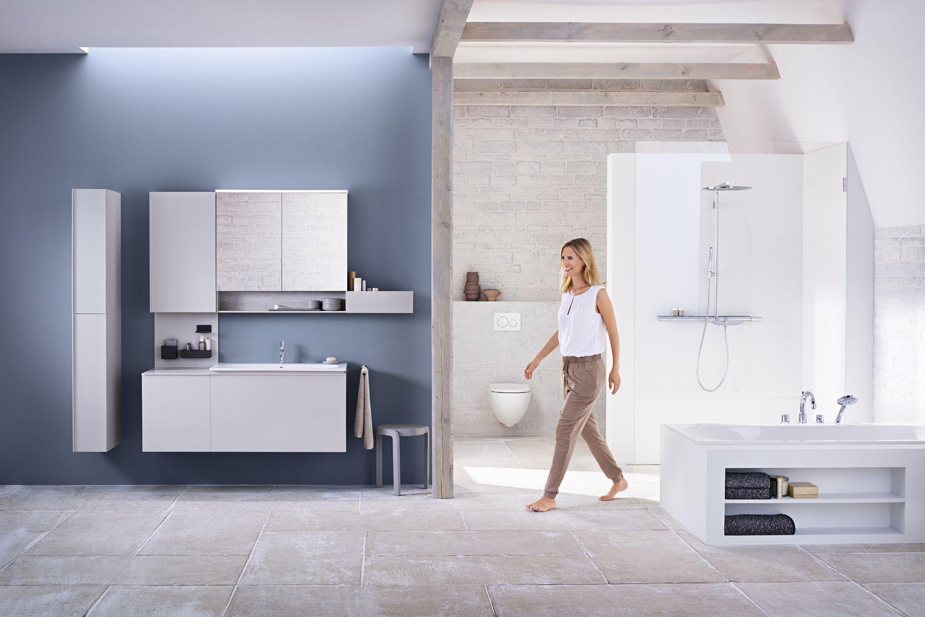 Warme Rustieke Badkamer : Klassiek ontmoet rustiek u in deze badkamer worden strakke muren en