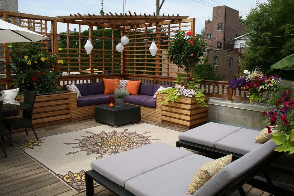 Une terrasse sur le toit dun immeuble aménagée tel un vrai appartement en plein