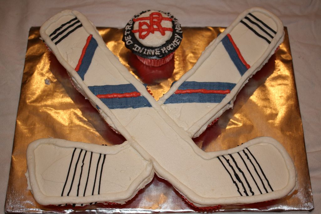 Hockey Cupcake Cake Hockey Birthday Cake Hockey Cakes Hockey Cupcakes