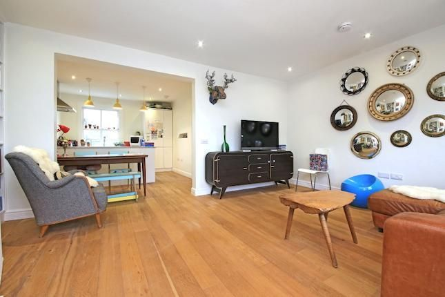 3 bedroom flat for sale in Courthope Road, London NW3 - 30966123