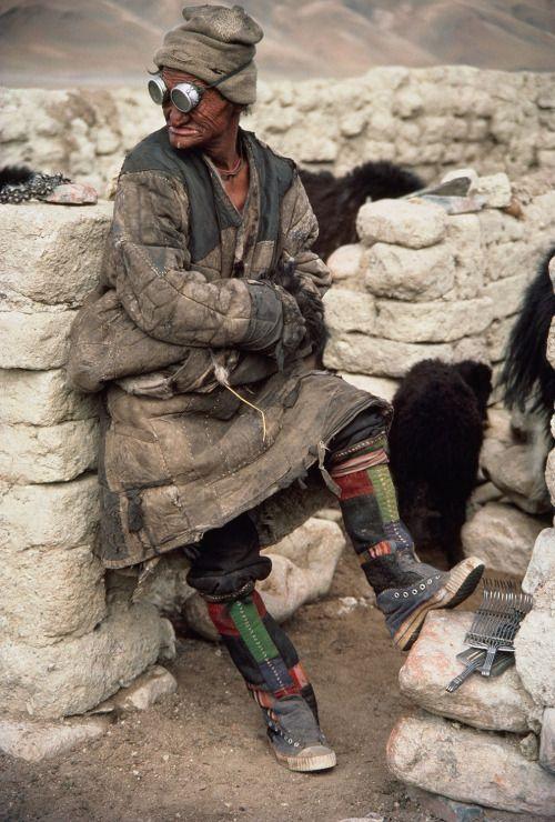 the-tyrant-lizard-king:  A Tibetan nomad.