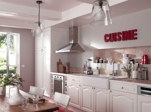 la cuisine esprit campagne nous charme d co cuisine carrelage sol d co cuisine rouge et. Black Bedroom Furniture Sets. Home Design Ideas