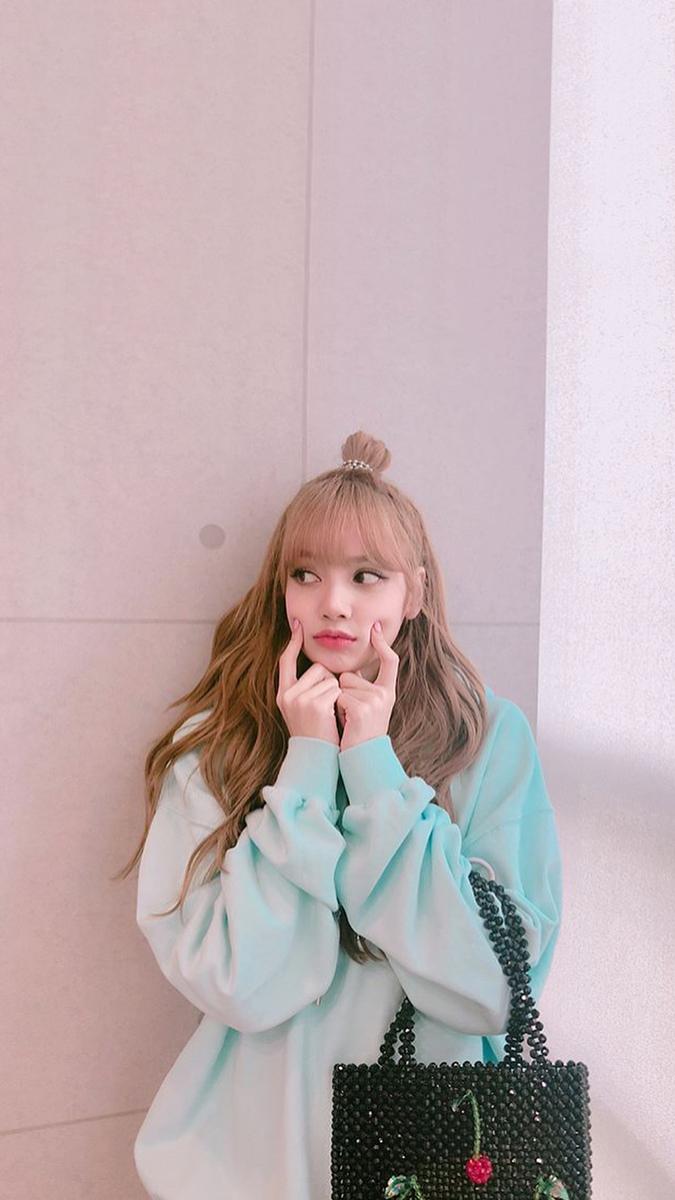 Lisa Blackpink Cute Photos Gadis Korea Gambar Mode Aktris