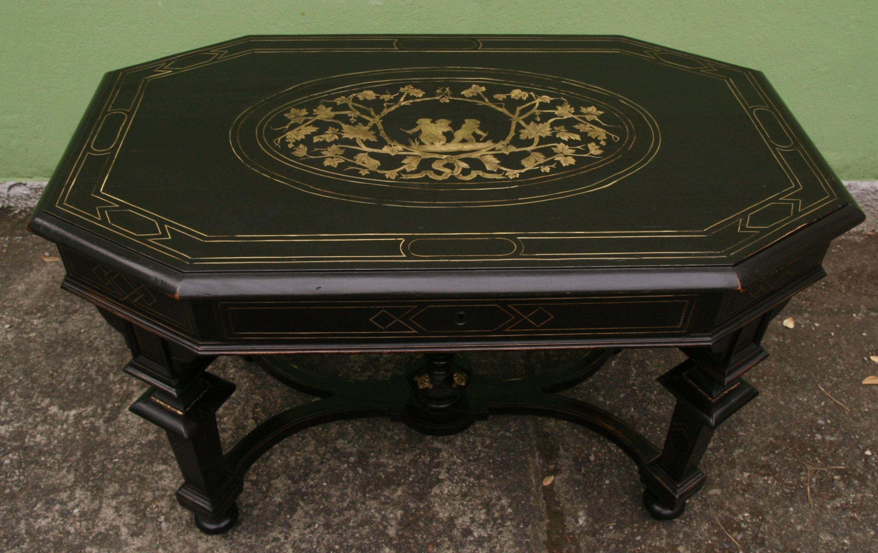 Tavolo Intarsiato ~ Il tavolo intarsiato in ottone dopo il restauro restauro di un