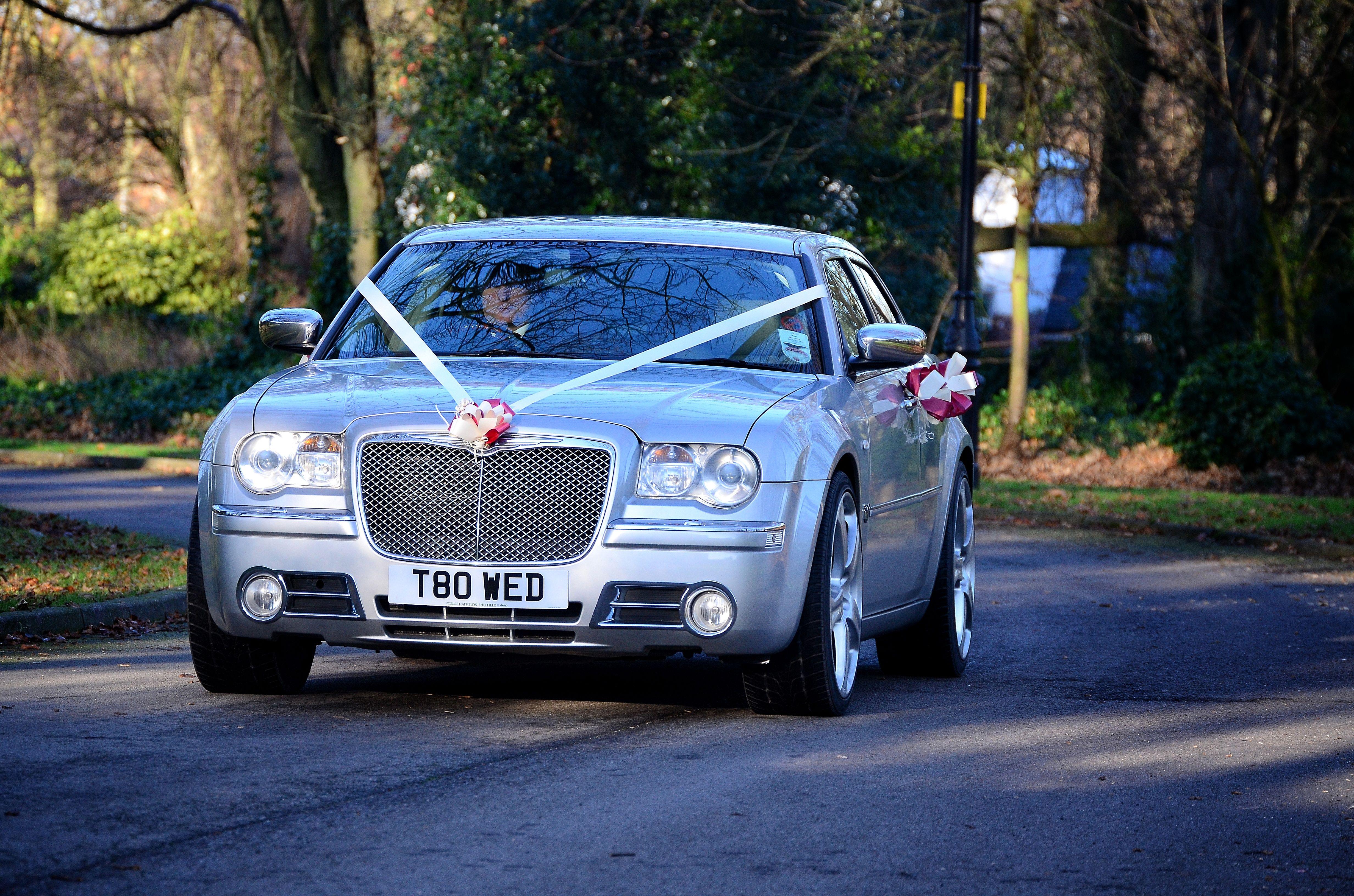 Babybentley Chrysler Cars Transportation Weddingcar Weddingcars Specialday Wedingplanning Wedding Groomcar Sport Wedding Car Chrysler 300c Bentley